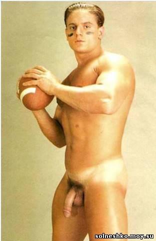 Гей спорт, полуголые и голые футболисты, скачать бесплатно.